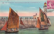 LE TREPORT 89 départ de barques de pêche pour une promenade en mer voiliers ti.