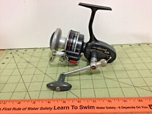 Vintage Mitchell 906 spinning fishing reel ! Free shipping! as-is