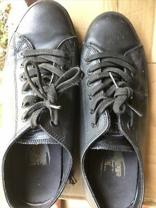 Shoes For crews Size 9
