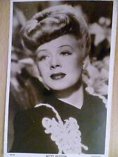 Vintage 1940s Picturegoer POSTCARD - Betty Hutton (No. W. 252)