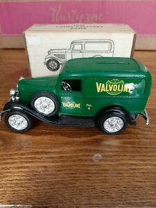 ERTL 1932 Panel Truck Bank Valvoline Item 9340