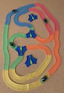 Mindscope Magic Car Track Twister Tracks Flexible 4 Light Up Cars 510 pcs >24 ft