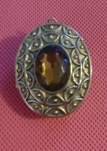 Avon Vintage Ladies Pendant with Stone Pin Brooch Opens for Perfume. Avon JP115