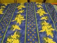 3piéces de tissus déjà ourlées ,provençal,les mimosas ,nappes ,rideaux ,coussin