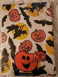 """Town & Country Halloween Flannel Backed Vinyl Bats& Pumpkins TableCloth 52""""×52"""""""