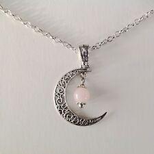 collier pendentif croissant de lune et perle en quartz rose