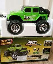 NEW Bright RC Caricabatterie Jeep 1:18.