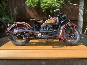 Indian Four Cylinder 1936 -42 Classic Motorcycle 1:10 DieCast Model