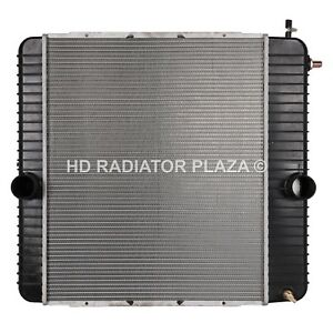 Radiator For 04-07 Ford F650 F750 International 3000 3200 4000 4300 4400 4900