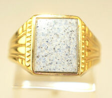 ANTIQUE MENS 18K YELLOW GOLD RING WHITE STONE WITH BLACK & GOLD SPECKS SIZE 9