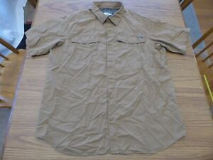 Men's XL Columbia Tan Omni-Shade Omni-Wick Short Sleeve Button Front Excellent