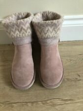 Ladies pink knitted Uggs size 6.5 In good condition