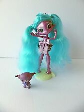 Novi Stars ~ Mae Tallick ~ Talking Space Alien Doll ~ with Clothing, Pet & Stand