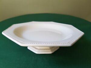 Faïence fine Montereau XIX ème (marque en creux) Assiette sur Pied modèle Perles