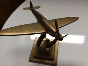 Vintage Brass Spitfire on stand Unbranded Desk Ornament