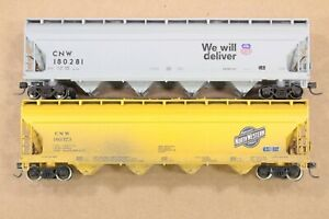 HO 2 Athearn Chicago & Northwestern CNW 54ft ACF Centerflow Covered Hoppers xlnt