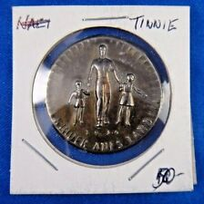 Original Vintage 1934 Tinnie Germany German Kinder Aufs Land Pin Pinback Badge