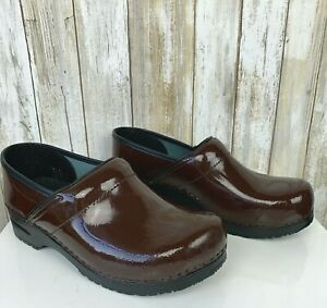 SANITA Professional Brown Patent Leather Clogs Nursing Shoes 42 US 11.5 12 NEW