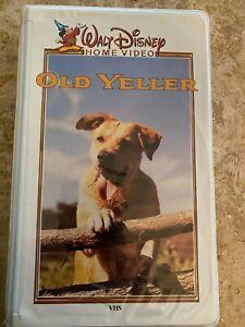 Vintage Walt Disney Home Video Old Yeller Vhs Tape clam shell