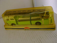 MODEL POWER PLAYART 1:48 SCALE LIME W/WHIT CAB MACK FIRE ENGINE LADDER TRUCK NEW