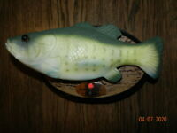Big Mouth Billy Bass the Motion Activated Singing Sensation by Gemmy Oval Plaque