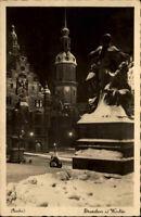 DRESDEN Sachsen Postkarte ~1930/40 Abend-/Nachtansicht im Winter Ansichtskarte