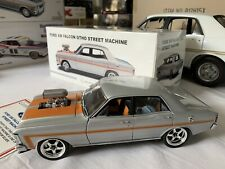 1:18 Autoart XW GT Ford Falcon modified with Chrome wheels