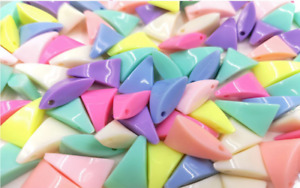 20pcs Triangle Shaped Round Beads Gems For KIDS DIY Jewellery Making Craft Art