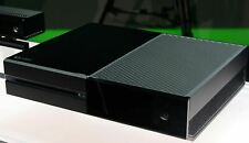 Microsoft Xbox One with Kinect 500GB Black Console (7UV-00077)