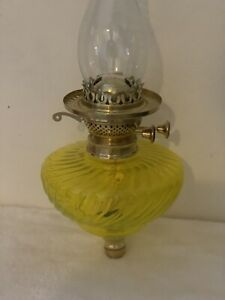 SUPERB TWISTED BACCARAT STYLE OIL LAMP FONT WITH 22mm FITTING WITH SCREW FITTING