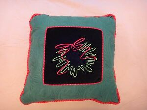 Free Shipping!  Christmas Wreath Pillow - Velvet Center - Green - Red Pipping