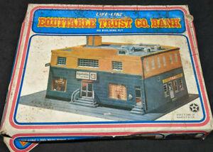 Life-Like #1381 HO Scale Equitable Trust Co. Bank Building Plastic Kit, vintage