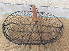 Ancien panier en metal grillage type panier a noix ou oeufs, art populaire