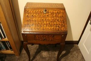 antique Queen Anne walnut parquetry petite ladies writing bureau fully original