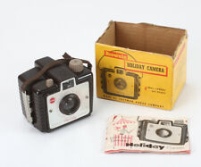 KODAK BROWNIE HOLIDAY, USES 127 FILM, WITH INCOMPLETE BOX/194647
