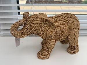 Rattan effect resin elephant nwt ~ trendy ~ lovely