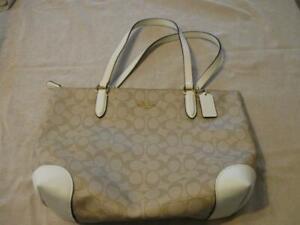 Authentic Coach Tan White Leather Signature Shoulder Bag Purse L1991-F29203