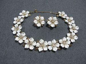 Vintage enamel clear crystals goldtone metal flowers necklace + Trifari earrings