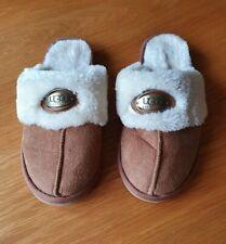 UGG Australia slippers size 3/4 S/M