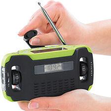 Kurbelradio: Batteriefreies Solar- & Dynamo-Koffer-Radio mit LED-Lampe