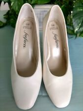 "Fanfares 6.5W White Christy Pumps Comfort First  2.25"" Block Heel"