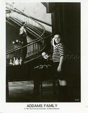 CHRISTINA RICCI JIMMY WORKMAN THE ADDAMS FAMILY 1991 VINTAGE PHOTO ORIGINAL #5
