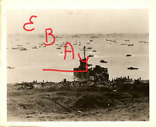 WWII 8X10 PHOTOGRAPH OF LCM-238 LANDING ON THE SHORE OF IWO JIMA 2/1945 LOOK