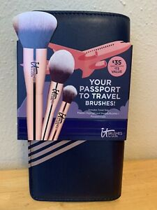 It Cosmetics Your Passport To Travel 4pc Set of 3 Brushes & Case Sealed New