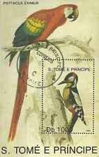 Timbre Oiseaux Perroquets St Thomas et Prince BF120 o lot 3503
