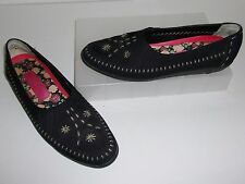 Hush Puppies Black Stitched Shoes Size 8 AA NARROW Flats Loafers