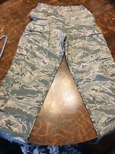Air Force camouflage cargo pants 34r Excellent Condition