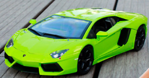 Bburago 1:18 Lamborghini Aventador LP700-4 Diecast MODEL Racing Car Green NIB