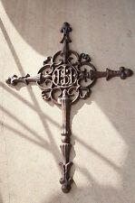 Grabkreuz, Kreuz, Eisenkreuz, Straßenkreuz  ,Wegkreuz, Kruzifix,Grab,Tiergrabmal