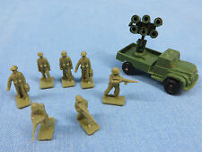 Lot of 7 Plastic Toy Army Men with an Army vehical/truck  3/4 in tall